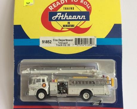 Athearn 91852, Ford C Telesqurt, Rescue Co. #33