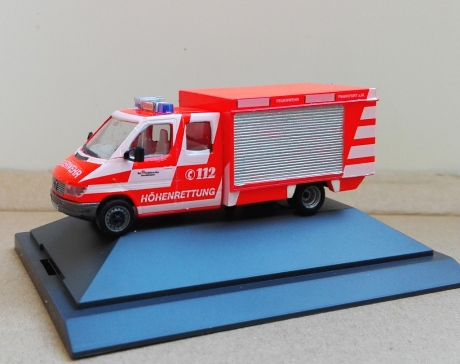 Feuerwehr Frankfurt GW Höhenrettung